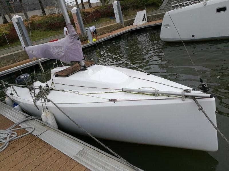 转让培训用帆船珐伊18