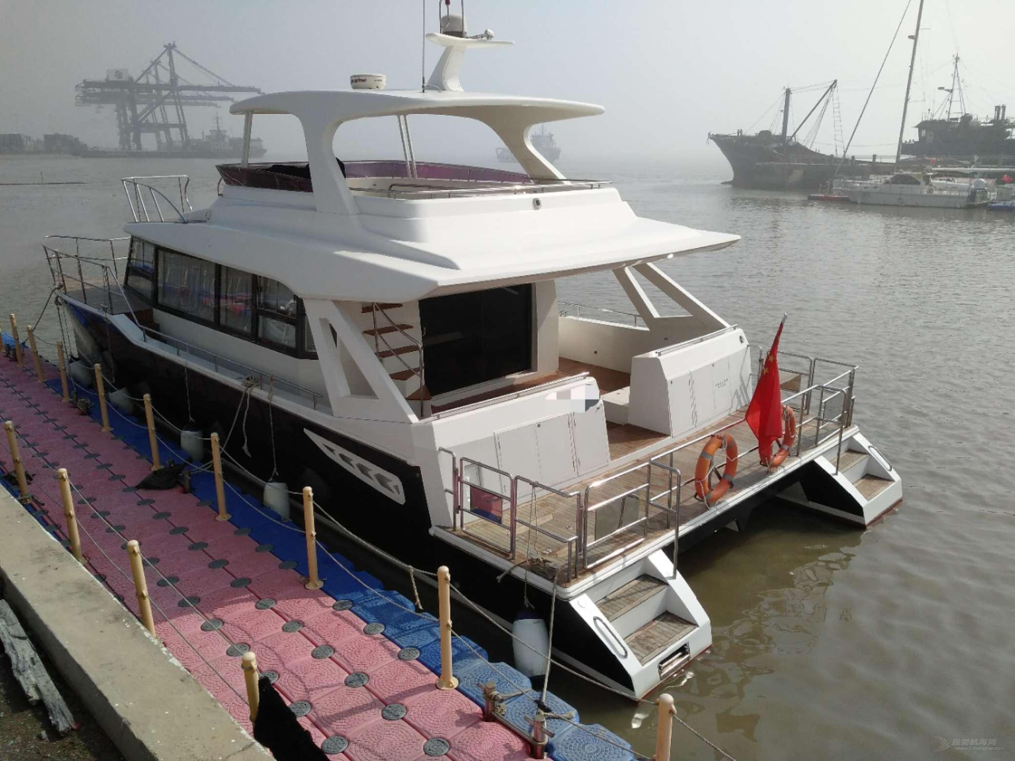 成色极好双体52.8动力艇低价转让,适合接待运营