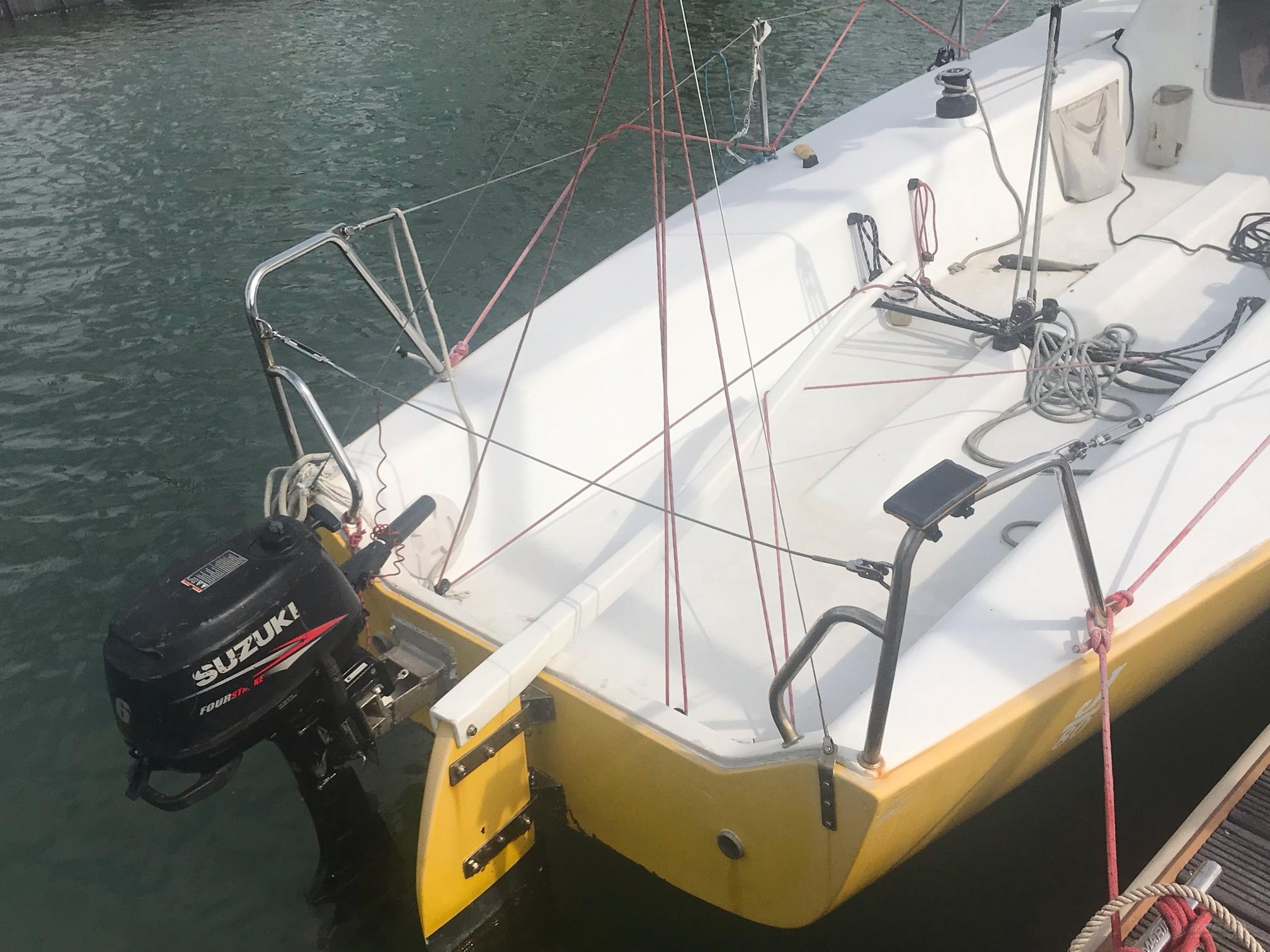 急售:J80一条,价格10万,看船地址:厦门香山游艇会